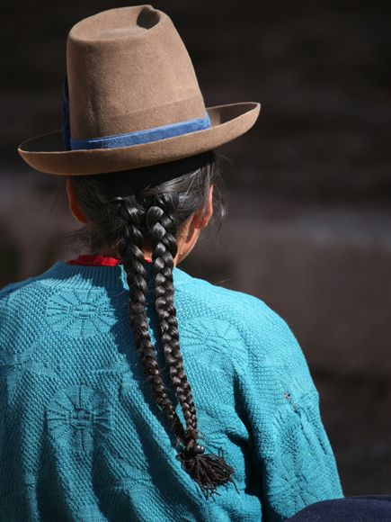 Peru-faces-braid-back_23547_600x450