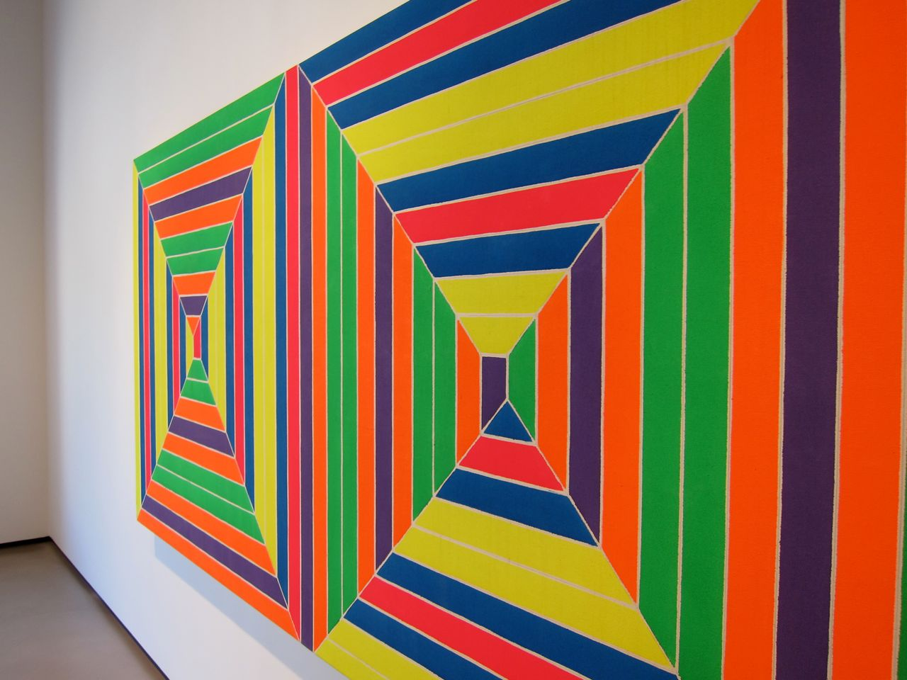 frank stellar Frank stella (b 1936, malden, massachusetts) has had a long and prodigious career his early workremains dear to art critics andhistorians who define stella's minimalistpaintings of the late 1950s.